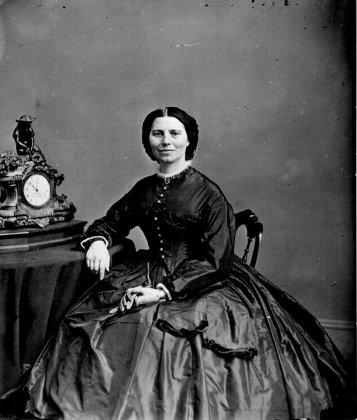 Clara_Barton_by_Mathew_Brady_1865
